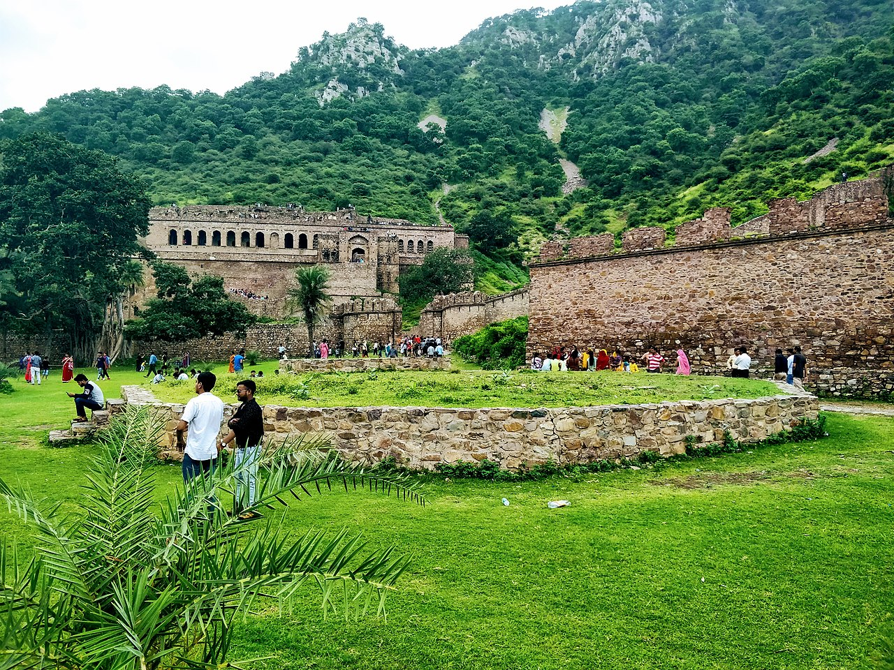bhangarh fort, most haunted places