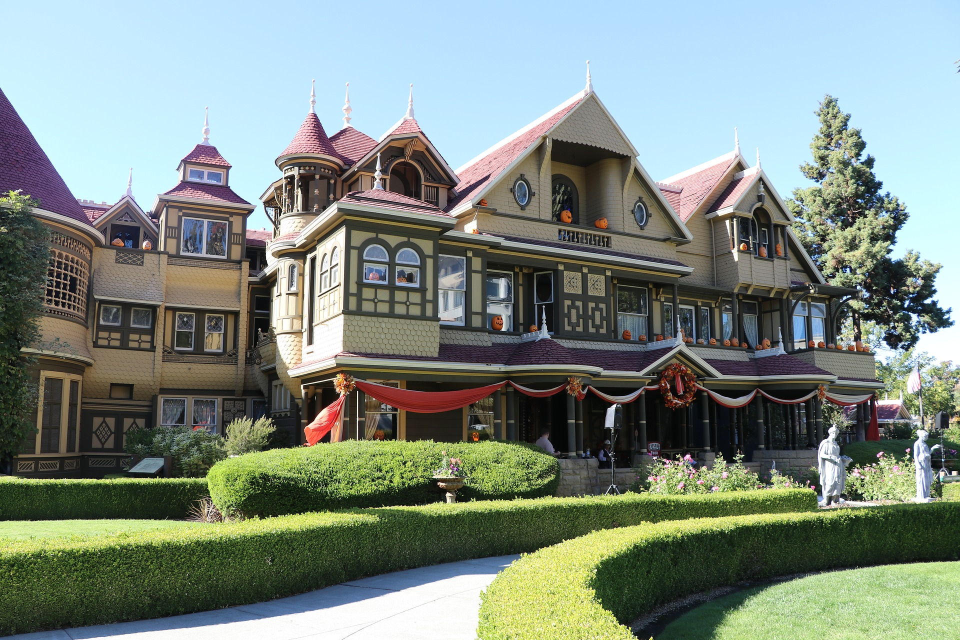 winchester mystery house, most haunted places