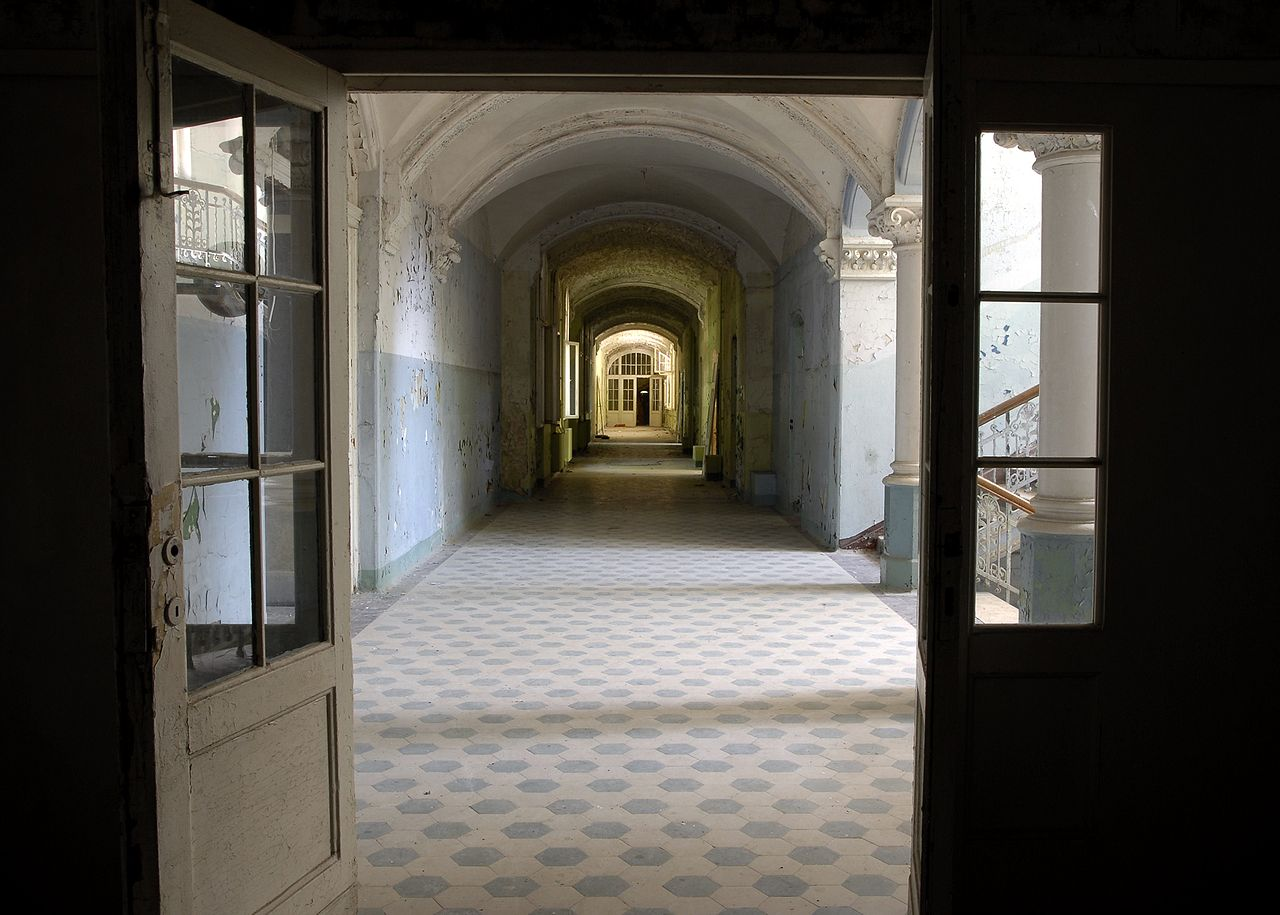beelitz hospital, hallway, abandoned places